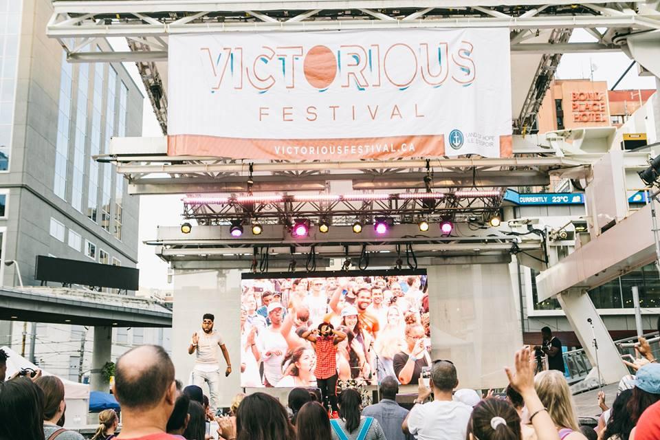 Victorious 2016 @ Yonge Dundas Square - Toronto